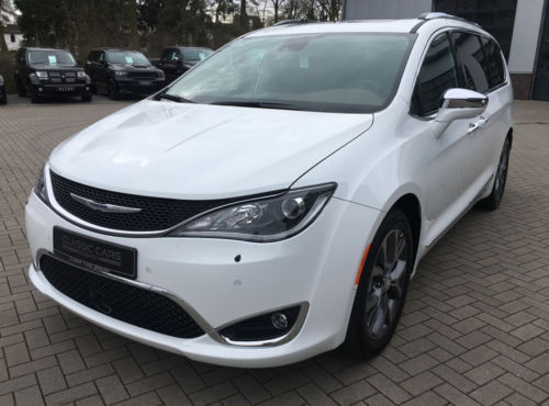 chrysler/pacifica-17-